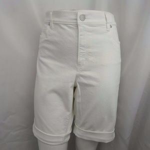WHITE DENIM WALKING CASUAL BERMUDA BICYCLE SHORTS